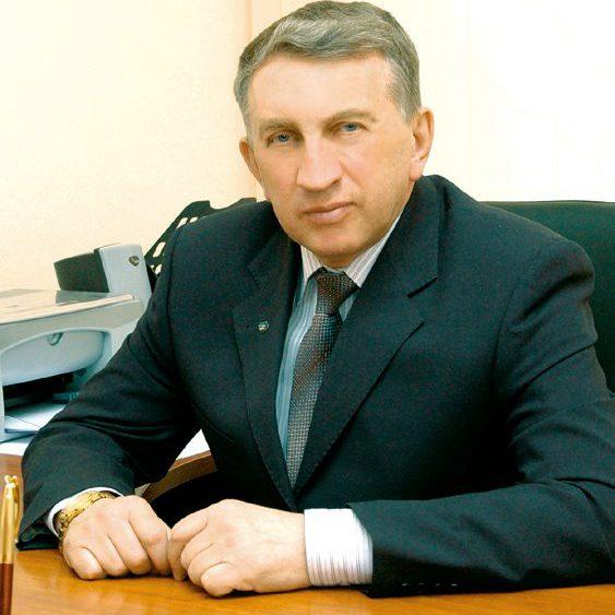 Анатолий Владимирович Назаренко